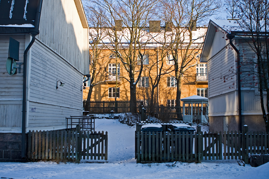 Wooden apartment buildings at Inarintie