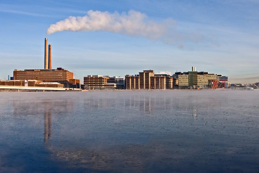 Salmisaari ja Ruoholahti Lauttasaaresta nähtynä