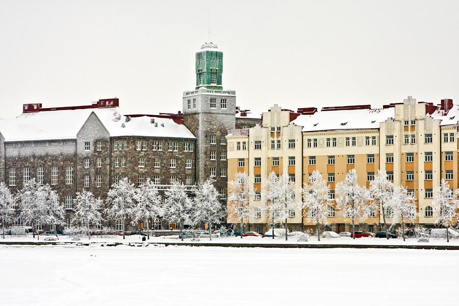 Helsingin työväentalo eli Paasitorni ja Säästöpankinranta 8