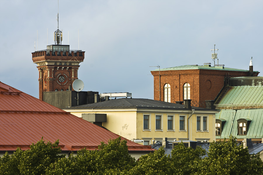 The tower of the Erottaja fire station and buildings of the Kaartinkaupunki district