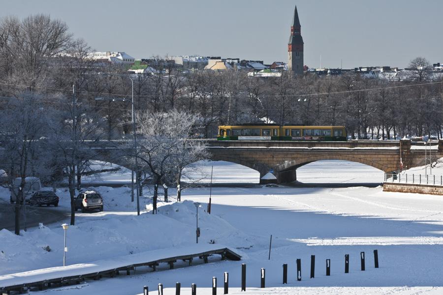 Raitiovaunu Pitkälläsillalla